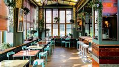 of Small Wonder Mitte - Berlin House of Small Wonder Café Berlin Restaurant Berlin, Restaurant New York, Berlin House, Gratis In Berlin, Berlin Food, Berlin Cafe, Cafe Design, Interior Design, Small Half Bathrooms