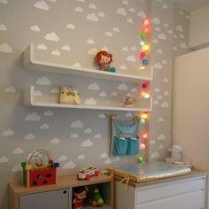 E esse cafofo By @_crispassos_ Adesivo de parede KIT NUVENS R$89,70 com 2 tamanhos de nuvens, disponível em 11 opções de cores www.mooui.com.br