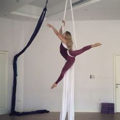 Back to training silk and today I tried this beautiful combo by ❤️ ___________________________ Wearing by Aerial Acrobatics, Aerial Dance, Aerial Hoop, Aerial Arts, Aerial Silks, Silk Yoga, Aerial Classes, Ballet Stretches, Time Photo
