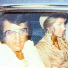 Elvis and girlfriend Linda Thompson in 1973.