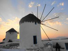 Fotografía: Paulo Portugal Mykonos, Santorini, Holiday Destinations, Favorite Holiday, Portugal, Places, Artwork, Travel, Greek Isles