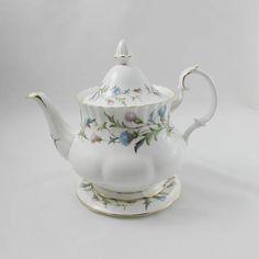 Royal Albert Brigadoon Teapot with Trivet Large