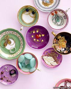 love the vintage plates