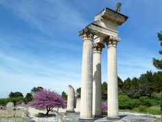 Glanum was an oppidum, or fortified town, founded by a Celto-Ligurian people called the Salyens in the 6th century B.C. It was known for the healing power of its spring. It became a Roman city in Provence until its abandonment in 260 A.D.