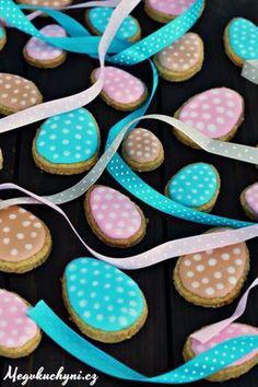 Velikonoční mrkvové sušenky Deserts, Easter, Sugar, Cookies, Food, Spring, Crack Crackers, Easter Activities, Biscuits