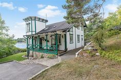 Villa till salu på Korsuddsvägen 31 i Saltsjö-Boo - Mäklarhuset