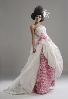 Spunky Dresses Crafted Out of Waste Materials and Other Sources: A Gown Made Out of Toilet Paper image from: http://www.designbuzz.com/spunky-dresses-crafted-out-of-waste-materials-and-other-sources/