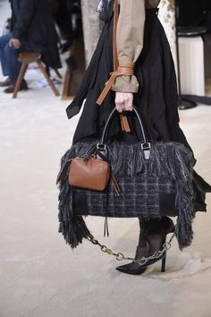 LOEWE Fall Winter 2016 Women's Paris Show