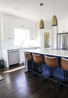 If you want an open-concept kitchen, you should first do some research! We've listed the pros and cons of these types of kitchens, so you can make an informed decision before starting this home improvement. #KitchenDesigns #KitchenRemodel #OpenConcept