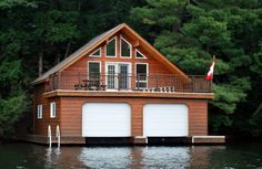 I want a boathouse for summer. Awsome!