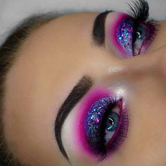 Festival vibes! Beaut makeup by mua makeupbykaatiex featuring GWA's Sleek false lashes (marble packaging) #gwalondon