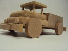 Caminhão decoração brinquedo de madeira                                                                                                                                                                                 Mais
