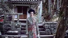"""KARLIE KLOSS-CONTROVERSIAL-GEISHA PICS-VOGUE MARCH 2017-(something is """"STRANGE"""" about these pics? what is it?) KARLIE has apologized gang"""