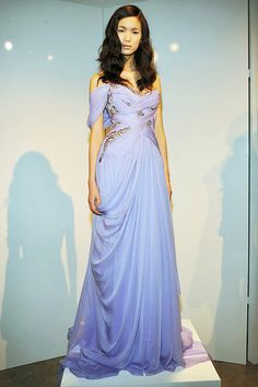 Marchesa. how it pains me to know i could have had you in my closet for prom, $990 i was willing to pay,and i am now deprived of you because my mom didnt want to give me MY money-_- one day marchesa, one day i will make up enough money again to have your name in my closet </3