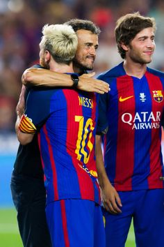 Head coach Luis Enrique Martinez and Lionel Messi of FC Barcelona embrace after the Spanish Super Cup Final second leg match between FC Barcelona and Sevilla FC at Camp Nou on August 17, 2016 in Barcelona, Catalonia.