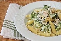 Πέννες με μπρόκολο & κοτόπουλο | Penne with broccoli & chicken Pasta Salad, Meat, Cooking, Ethnic Recipes, Food, Crab Pasta Salad, Kitchen, Kochen, Meals