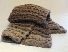 Manta o pie de cama tejida con rasta. http://gabyboccardo2.mitiendanube.com/pie-de-cama-caminos-o-mantas/tejida-con-rasta/manta-tejida-con-rasta/