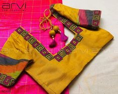 Embroidery for classy lovers Patch Work Blouse Designs, Simple Blouse Designs, Stylish Blouse Design, Blouse Back Neck Designs, Cotton Saree Blouse Designs, Bridal Blouse Designs, Sari Blouse, Stone Work Blouse, Blouse Designs Catalogue