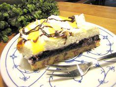 Aus Beate's Backstube: Waldbeer-Kuchen mit einem Schuss Eierlikör - (c) 2011 by Café-Restaurant Haus-Zillertal in Wuppertal Cronenberg