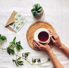 Coffee is life Make a splash with your shower curtains. Flat Lay Photography, Food Photography Styling, Lifestyle Photography, Food Styling, Photography Tips, Product Photography, Flat Lay Inspiration, Flat Lay Photos, Coffee Flatlay