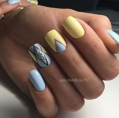 18 Uber-Cool Geometric Nail Art Designs Taking Everyone's Breath Away! Square Acrylic Nails, Acrylic Nail Designs, Nail Art Designs, Shellac Nails, Diy Nails, Manicure, Nail Polish, Gorgeous Nails, Pretty Nails