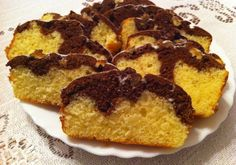 Szybkie ciasto ucierane waniliowo-kakaowe - DoradcaSmaku - ten przepis cieszy się popularnością, sprawdź. Pie Recipes, French Toast, Muffin, Breakfast, Food, Author, Bakken, Essen, Morning Coffee