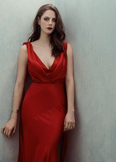 Kaya Scodelario, Gossip Girl Fashion, Gossip Girls, Non Blondes, Beautiful Celebrities, Girl Crushes, Lady In Red, Celebs, Pretty