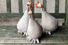 Concrete Crafts, Concrete Art, Concrete Projects, Concrete Garden, Chicken Crafts, Mushroom Decor, Paper Mache Sculpture, Garden Sculptures, Recycled Garden