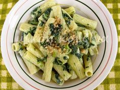 μικρή κουζίνα: Ριγκατόνι με σπανάκι και τυρί κρέμα