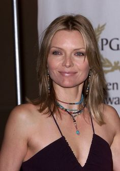 Michelle Pfeiffer with dirty blonde hair