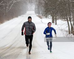 15 tips for running in cold weather - Rudy Malmquist/Getty Images Running In Cold Weather, Cold Weather Outfits, Running Workouts, Running Tips, Running Routine, Laufen Im Winter, Heart Month, Running For Beginners, Half Marathon Training