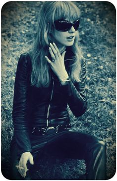 """:: Marianne Faithfull : """"It is the evening of the day. I sit and watch the children play"""" ::"""