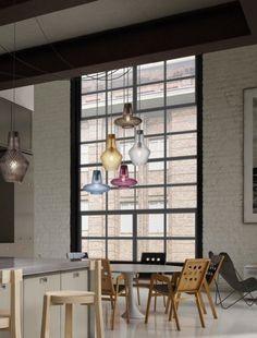 Lámparas vintage de aspecto exótico, ideales para decoración con aires marroquís. Windows, Weathered Furniture, Dining Rooms, Ramen, Window