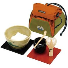 Now you can enjoy macha tea while enjoying the cherry blossom! Macha Tea, Uji Matcha, Japanese Tea Set, Tea Trolley, Japanese Tea Ceremony, Camping Coffee, How To Make Tea, Matcha Green Tea, Coffee Set