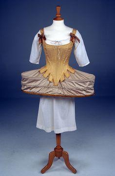Corset & Pannier. 1700s. Louisiana Art & Science Museum    Things women do to look good.