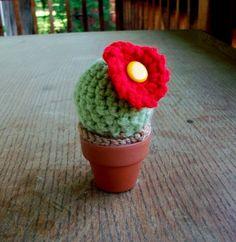 amigurumi cactus pincushion
