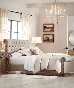 Pikowane  ko do sypialniOld Hollywood Glamour Bedroom Designed By Horchow via Stylyze  . Hollywood Glamour Bedroom. Home Design Ideas