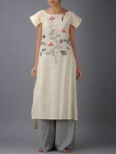 Nix the sleeves Kurta Designs, Blouse Designs, Dress Neck Designs, Sleeve Designs, Kurta Patterns, Kurta Neck Design, Indian Designer Suits, Embroidery Dress, Designer Dresses