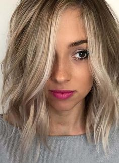 Here you can see how to get most sexy and hottest hair look if you've medium wavy hairstyle. No doubt this is one of the amazing haircuts for women who've waves with different hair colors in 2018. You just have to browse here and see how to pick best style for wavy hair in 2018.