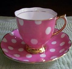 Royal Albert - Polka Dots Pink with Gold Base