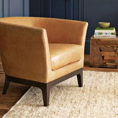 New chair coming to my living room! Brown Leather Chairs, Leather Dining Chairs, Living Room Redo, Living Room Chairs, Home Decor Furniture, Modern Furniture, Library Chair, Tulip Chair, Leather Furniture