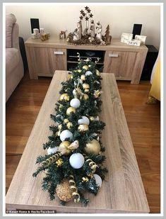 Christmas Table Decorations By London Designer Florist. Pool Noodle Christmas Wreath, Pool Noodle Wreath, Pool Noodle Crafts, Christmas Ornament Wreath, Christmas Wreaths, Christmas Decorations, Crafts With Pool Noodles, Prim Christmas, Christmas Trends