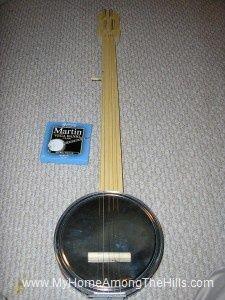 How to make homemade cookie tin banjo.