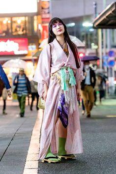The Best Street Style From Tokyo Fashion Week Fall 2018 Best Street Style, Asian Street Style, Tokyo Street Style, Street Style Trends, Japanese Street Fashion, Cool Street Fashion, Tokyo Fashion, Harajuku Fashion, Kimono Fashion