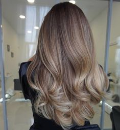 Fabulous Hair Color Ideas for Medium, Long Hair - Ombre, Balayage Hairstyles Beige Blonde Hair Color, Hair Color Highlights, Hair Color Balayage, Ombre Balayage, Beige Blonde Balayage, Bayalage, Brown Blonde, Balayage Highlights, Hair Color For Brunettes