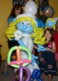Balloon art smurfette sculpture Smurf balloon #balloon art #balloon Smurf #balloon Smurfette  #balloon Smurf decor #balloon smurf sculpture #balloon smurf twist #balloon smurf party #balloon smurf characters #balloon papa smurf