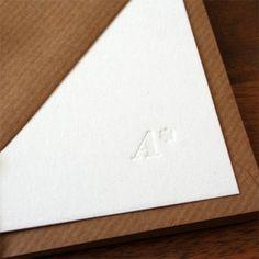 Individuelle Briefkarten mit Monogramm