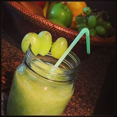 @hollynwtn s recipe- The Grapple #nutribullet #fuitaday #yum #nutriblast