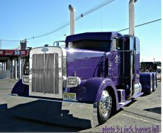 Custom Peterbilt Show Trucks | Custom Peterbilt truck photos