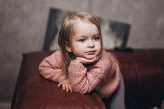 Мой прошлый пост собрал очень много лайков. Проверим, на что способна моя дочь!👌  Многие упрекнут меня в использовании няшных детей для продажи своих сертификатов! Так Евгения с молоду уже помогает отцу! 😘 Короче, осталось всего 6 сертификатов⏰📸